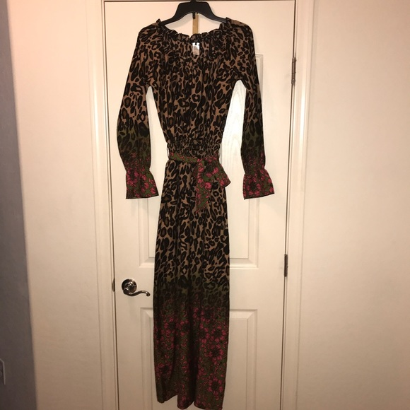 Dept Maxi Jurk.D E P T Dresses Dept Leopard Off Shoulder Maxi Dress Small Poshmark
